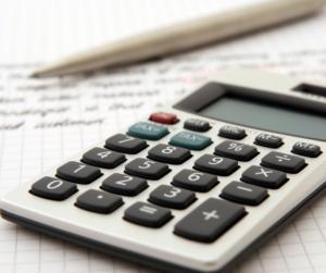 Taschenrechner, um Finanzierungen in der Krise zu kalkulieren